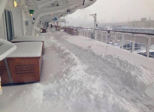 QM2 Snow