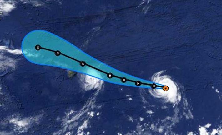 Hurricane Iselle And Julio