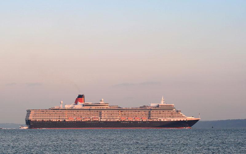 Queen Eizabeth Cruise Ship
