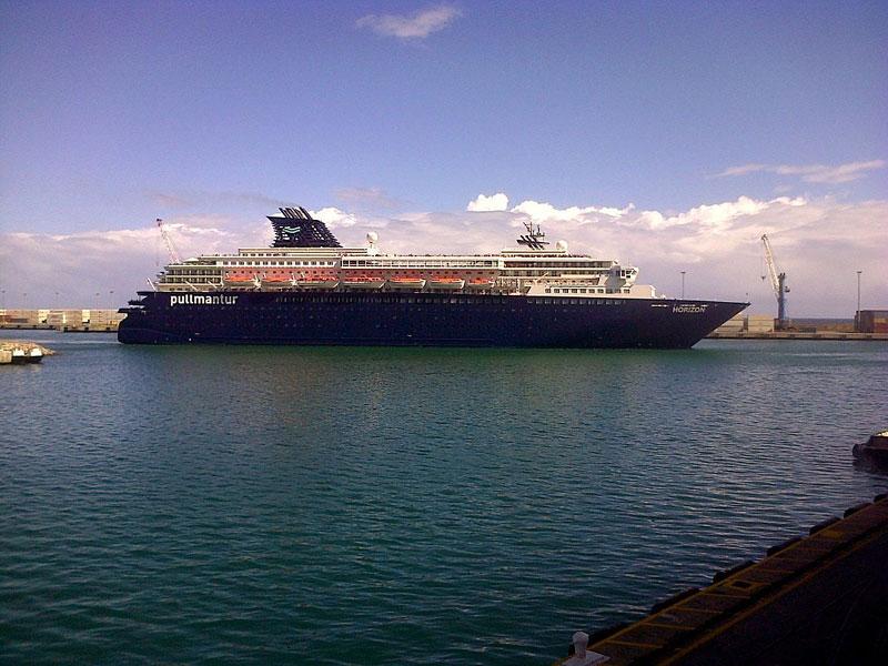 Horizon Cruise Ship