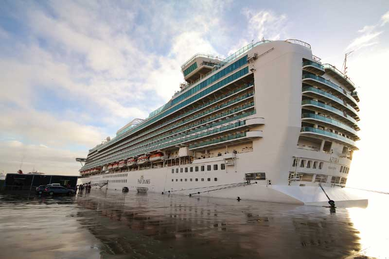 PO Azura Delayed By Hours Due To Electrical Issue - Cruise ship delayed