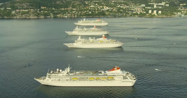 4 Cruise Ships Meeting Up Provides Views Never To Forget