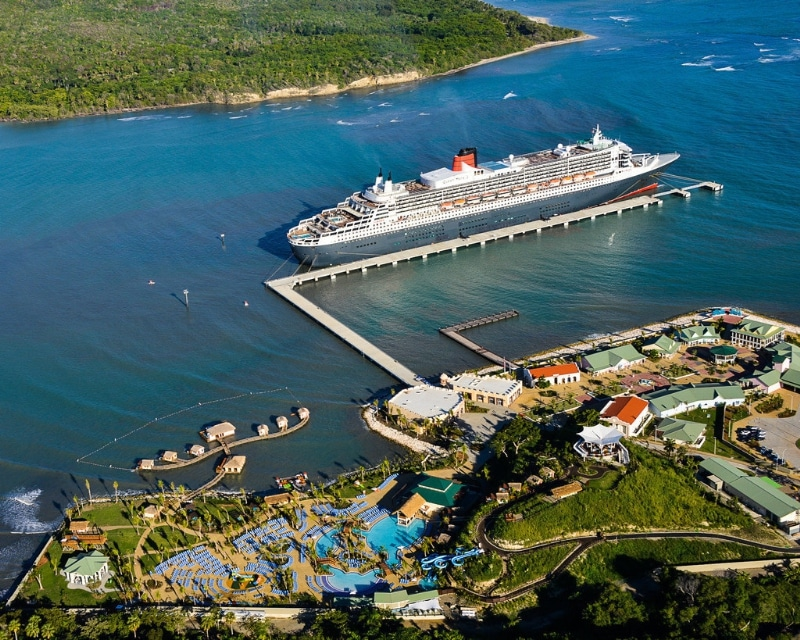 Queen Mary 2 Makes Maiden Call At Amber Cove