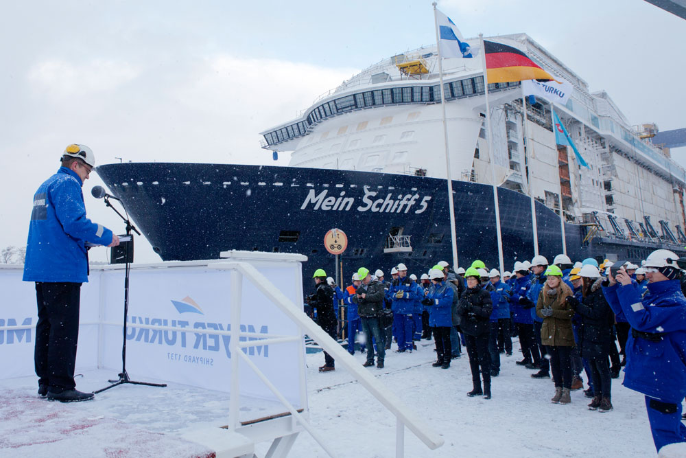 Mein Schiff Float Out