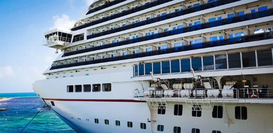 8 Things You Never Knew Happened On A Cruise Ship