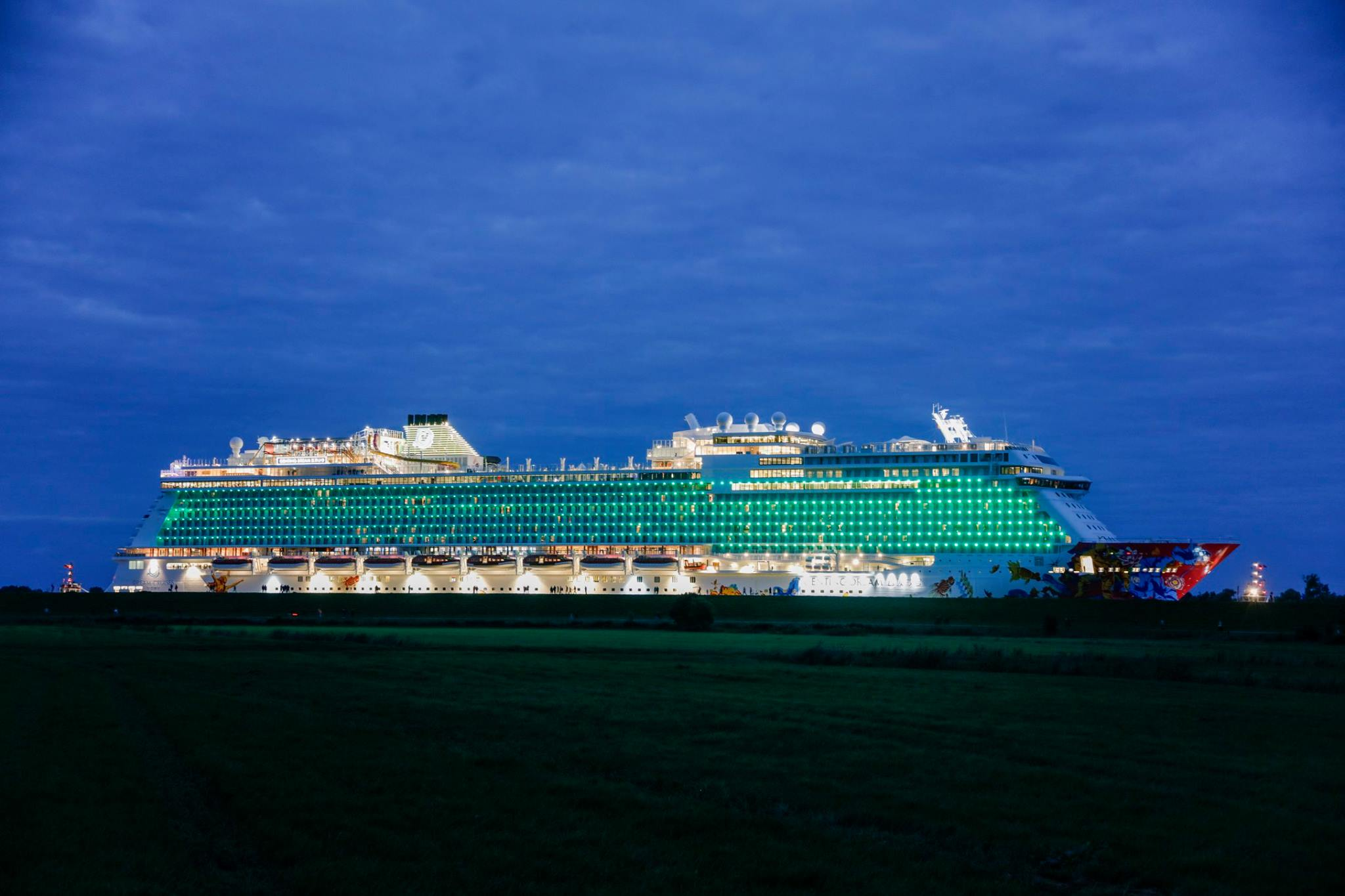 my dream cruise ship Royal caribbean is an award-winning global cruise line with a 45-year legacy of innovation and excellence in the cruise industry  my dream travel tweet email.