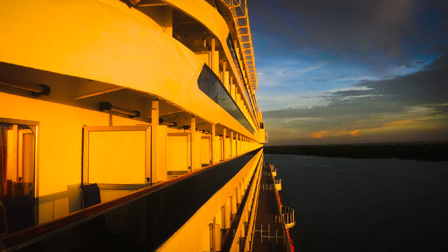 How To Find Your Way Around A Cruise Ship – Fast!
