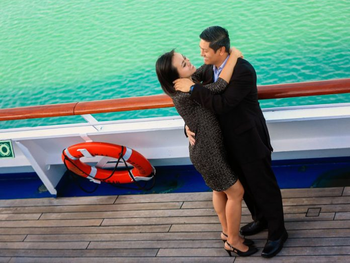 10 Romantic Tips for a Cruise Vacation
