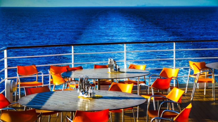 How to Truly Enjoy Your Dining On 3 Major Cruise Lines
