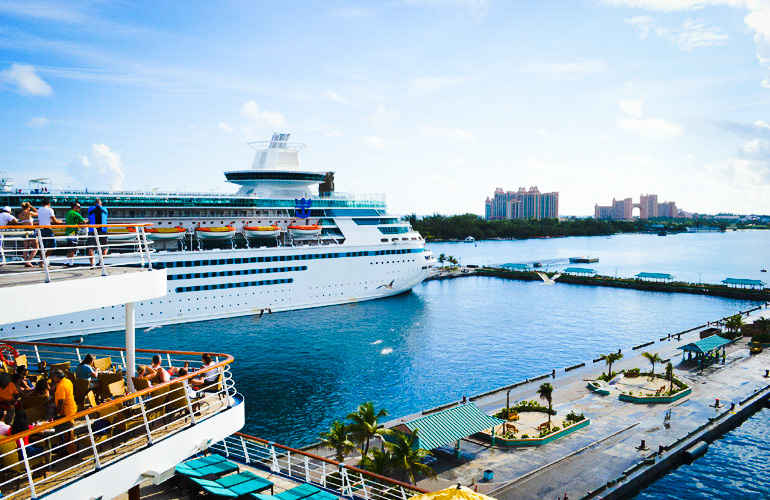Top 4 Water Adventures to Try in The Bahamas During a Cruise