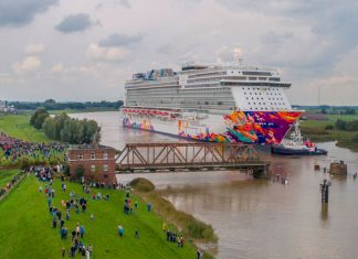 World Dream Ems River Conveyance