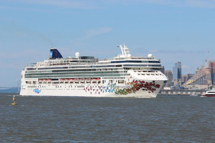 Norwegian Gem in New York