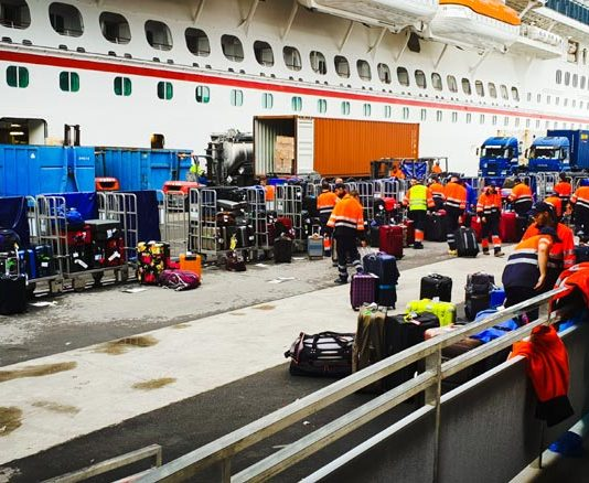 6 Ways to Protect Your Cruise Ship Luggage