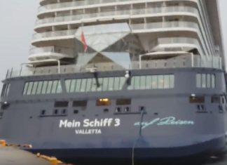 Mein Schiff 3 Collides with Pier