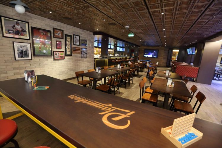 Mariner of the Seas Playmakers Sports Bar
