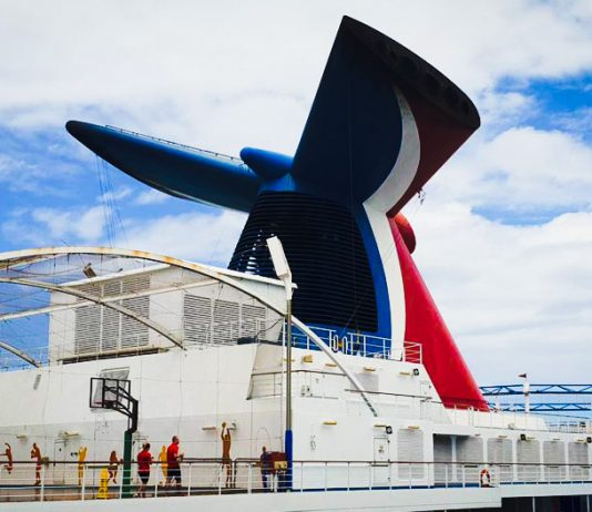 10 Items Just for Those Who Love Carnival Cruise Line