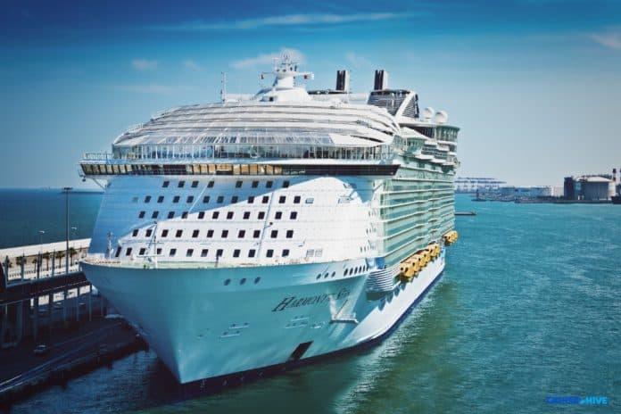 Harmony of the Seas in Port