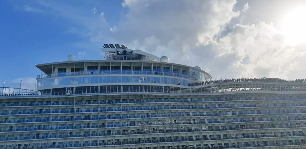 Three Oasis Of The Seas Sailings Canceled After Crane Damage