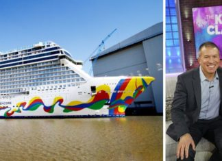 Kelly Clarkson Godmother and Norwegian Encore