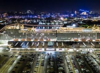 MSC Grandiosa in Hamburg