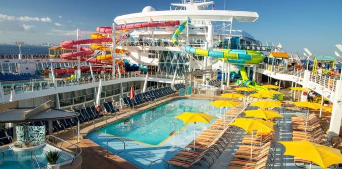 Oasis of the Seas Caribbean Pool Deck