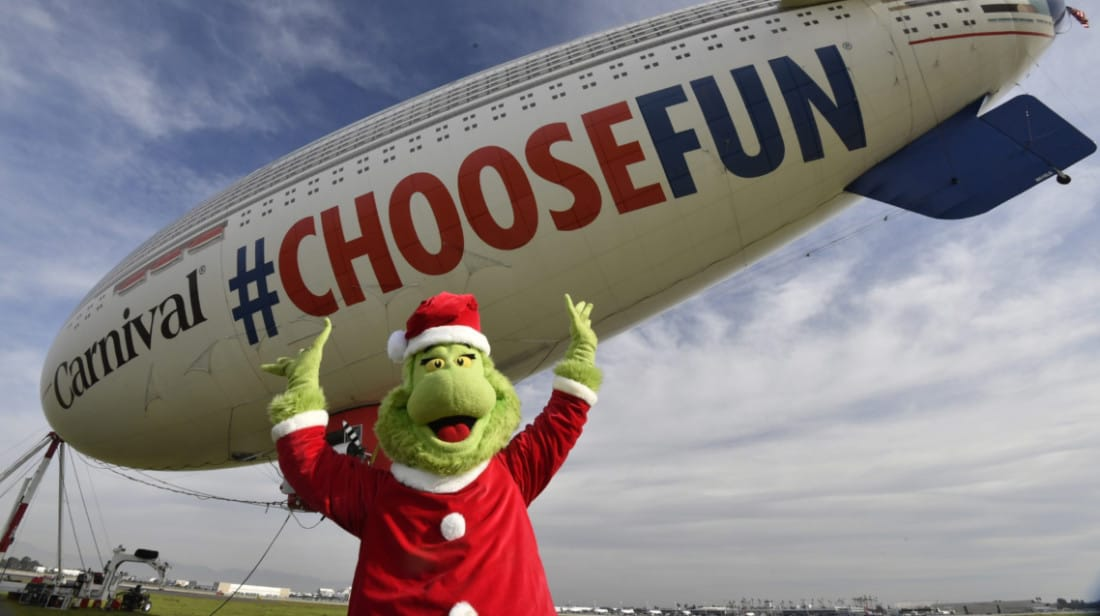 The Grinch ans Carnival AirShip