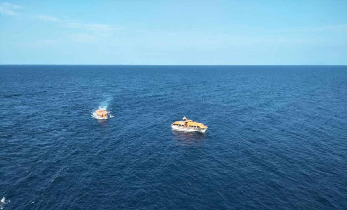 Cruise Passenger Lifeboats