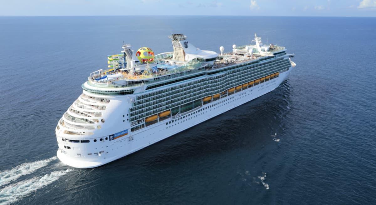 Royal Caribbean's Mariner of the Seas Cruise Ship