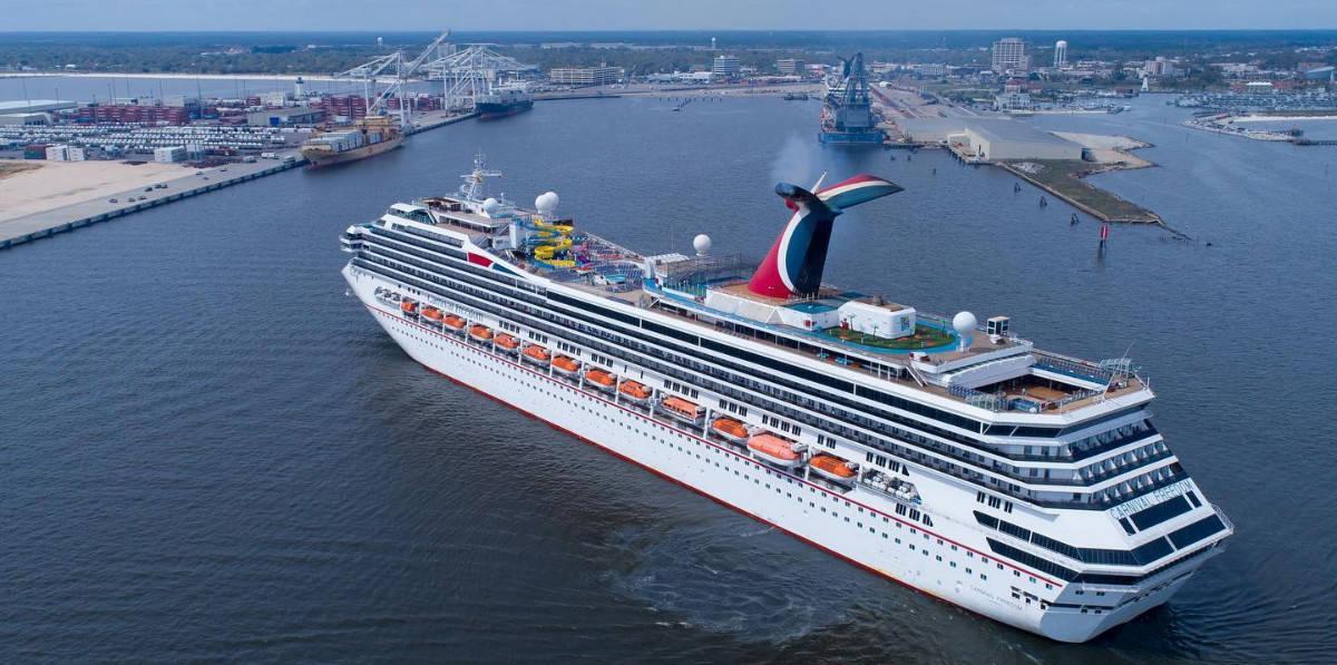 Carnival Cruise Ship in Port of Gulfport