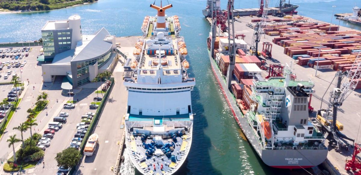 Bahamas paradise Cruise Line Ship