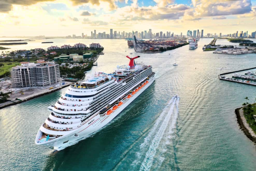 10 Carnival Cruise Line Stock Benefits and Tips