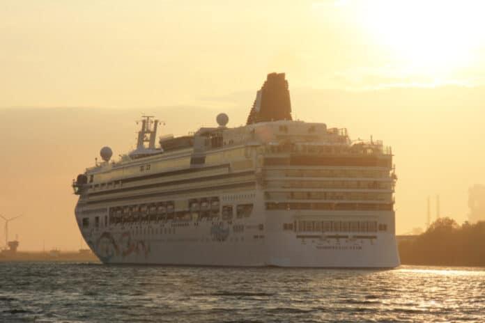 Norwegian Star Cruise Ship