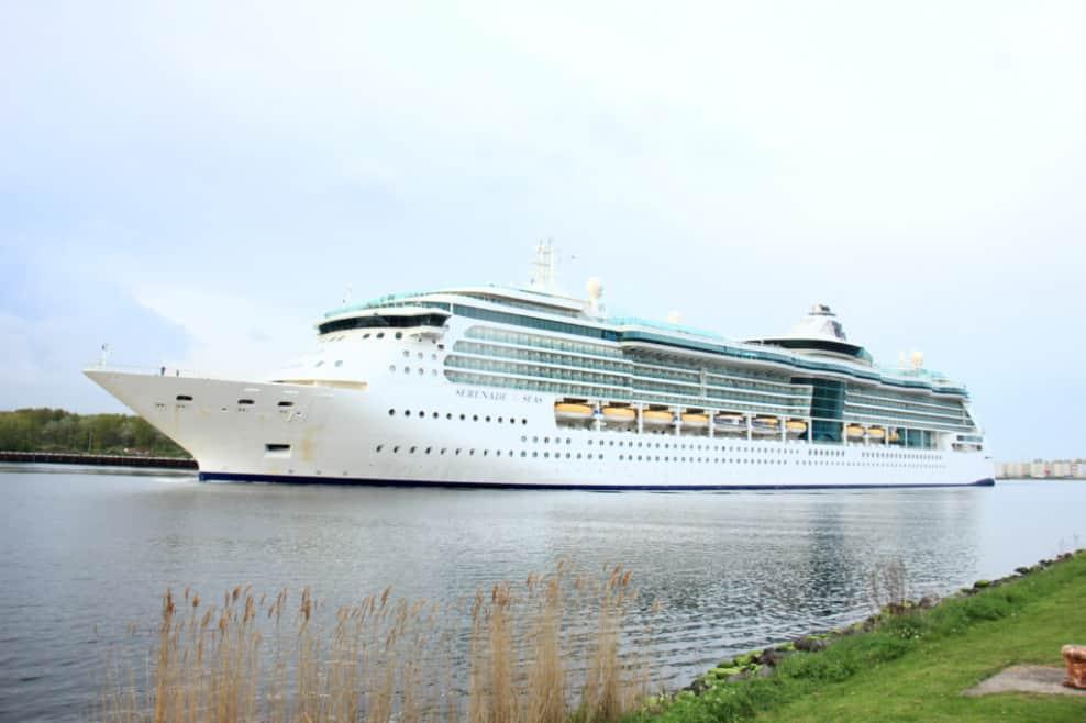 Royal Caribbean Serenade of the Seas Cruise Ship