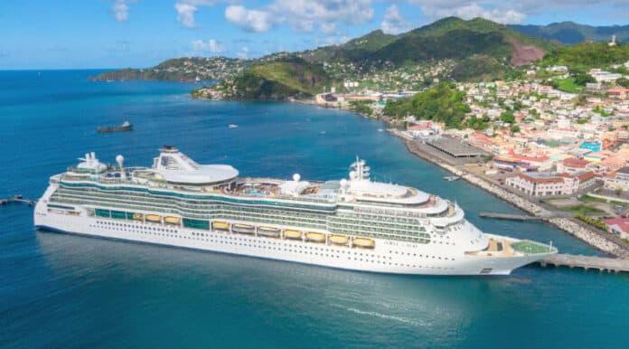 Jewel of the Seas Cruise Ship