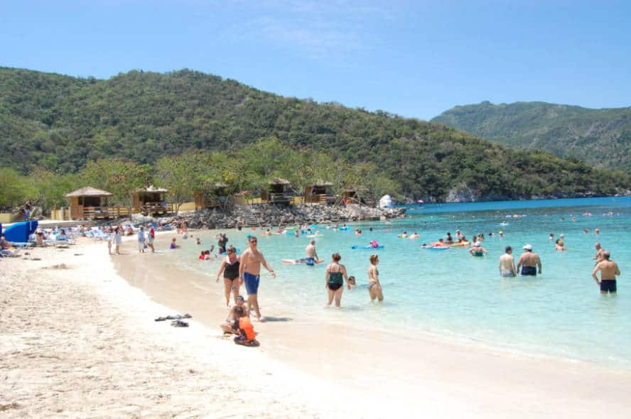 Cabanas Overlook the Beach