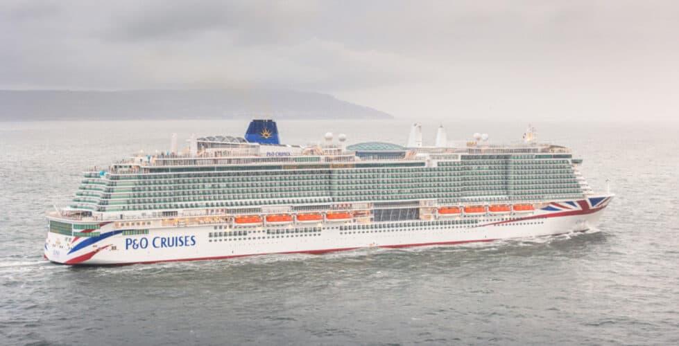 P&O Iona Arriving into Southampton
