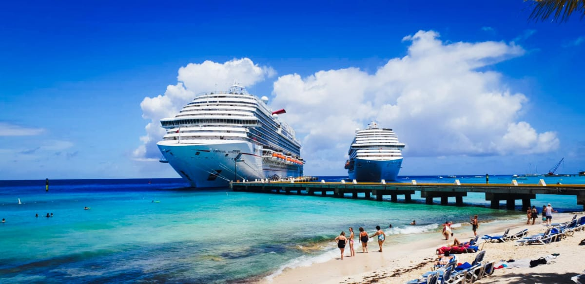 Cruise Ships in Grand Turk