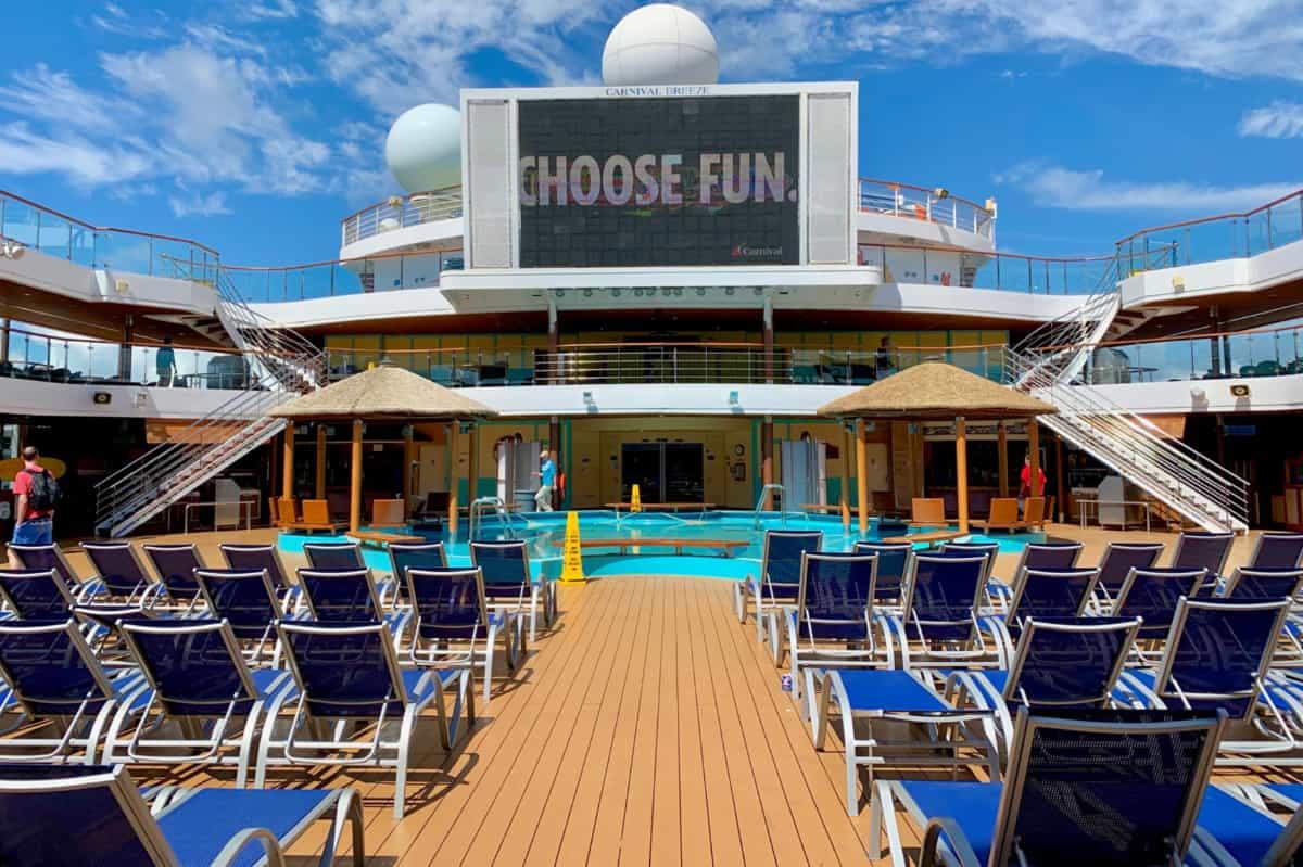 Carnival Breeze Lido Deck Mid-Ship