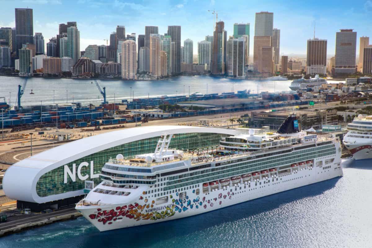 Norwegian Gem Cruise Ship