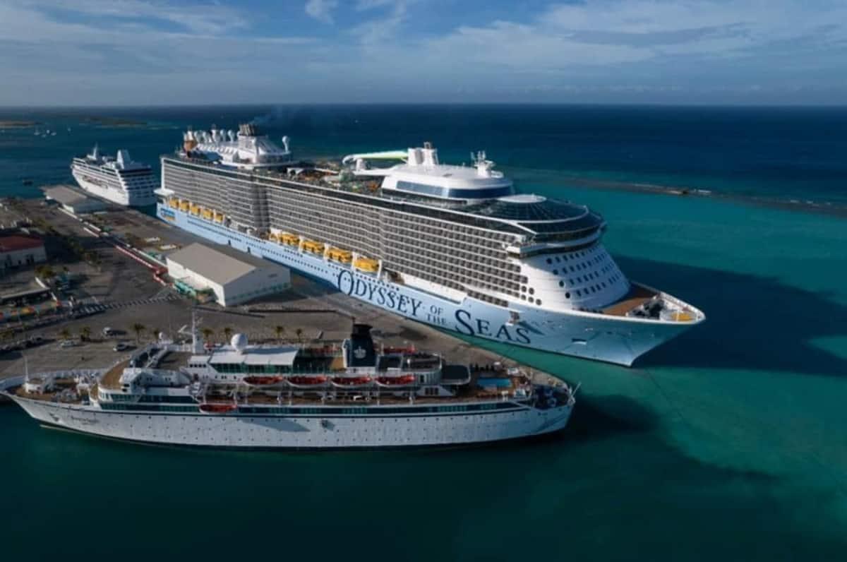 Odyssey of the Seas in Aruba